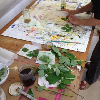Atelier Laurence Liebenguth - Malen mit Blumen und Pflanzenfarben